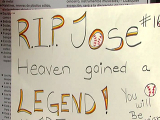 Fans pay tribute to Marlins' ace Jose Fernandez