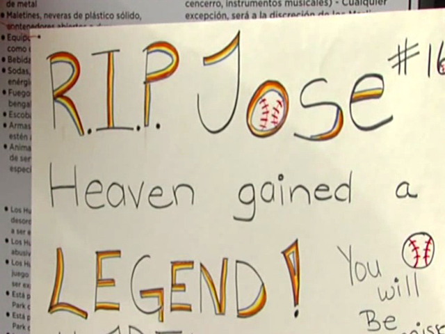 Marlins' fans mourn loss of ace pitcher Jose Fernandez