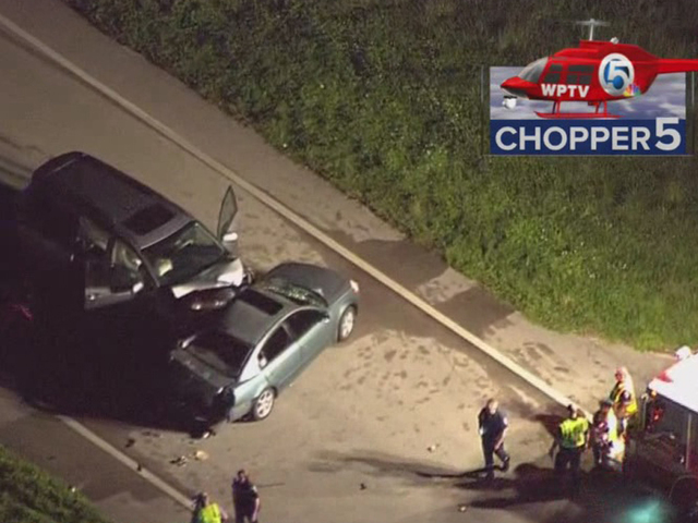 Crash closes Kanner Hwy. in western Martin Co.
