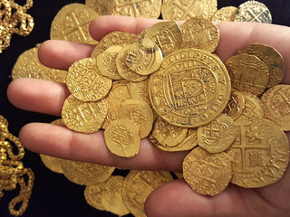 $1M in gold coins from 1715 shipwreck available