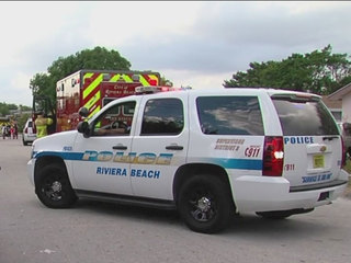 Riviera Beach family displaced by fire