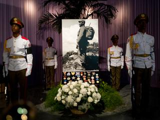 Historic picture of Castro at center of memorial