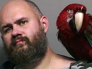 Oregon man gets mugshot with pet macaw