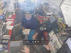 Man robs WPB Shell gas station with a stun gun