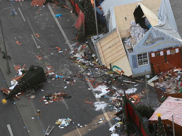Tunisian Man In His 20s Sought In Berlin Market Attack