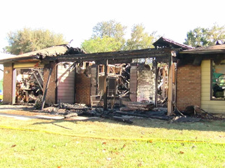 Family escapes house fire in Palm City