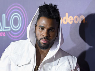 Singer claims racism after dispute at MIA