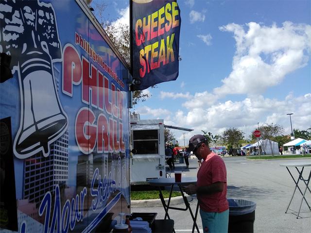 Photos palm beach food truck craft beer festival for Food truck and craft beer festival