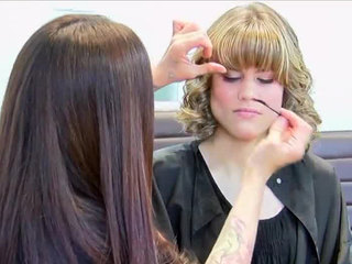 Boca Raton salon offers free makeovers, haircuts