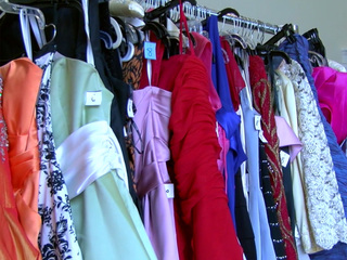 Prom dress giveaway held in Palm Beach County
