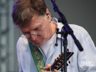 PICS: Steve Winwood performs at SunFest