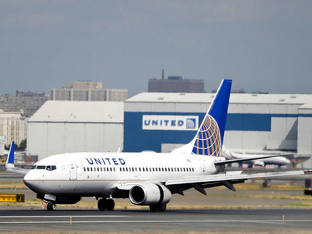 Woman with United ticket from Newark to Paris ends up in California