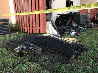 Arson displaces 8 people at West Palm apartments