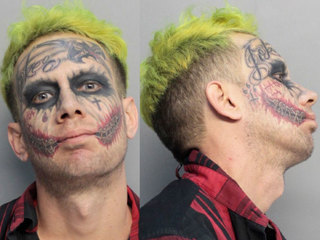 Miami 'Joker' accused of pointing gun at cars