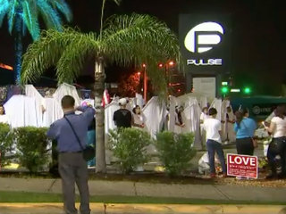 Thousands pay respects for Pulse victims