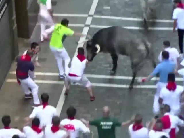 2 Americans Spaniard gored during 'Running of the Bulls.&#39 7 DEL 7 VIA APTN AP