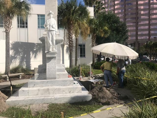 Tony Dungy, Buccaneers contribute to have Tampa Confederate monument removed