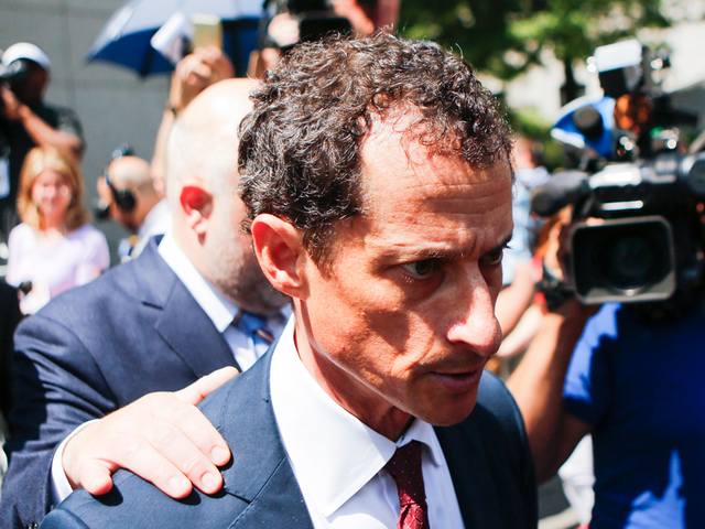 Prosecutors recommend two-year prison sentence for Weiner