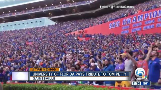 Florida Gator fans pay tribute to Tom Petty- sing -I Won-t Back Down-