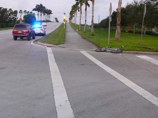 Vehicle hits bicyclist in Port St. Lucie
