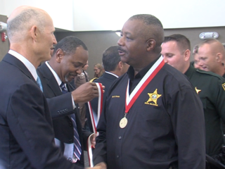 Governor honors veterans in Palm Beach County