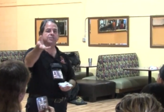 Retired Fla. firefighter giving out free Narcan