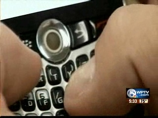 "Fla. lawmakers trying to reduce ""sexting"" punishment"