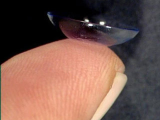 Study: Don't flush old contact lenses