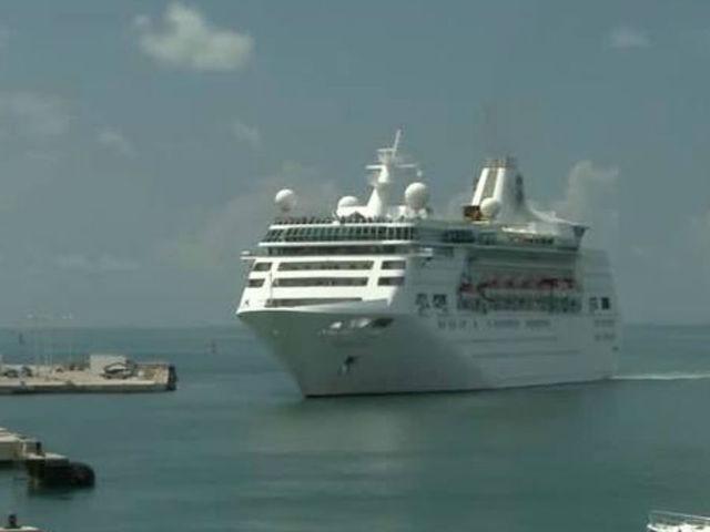 St Cruise Ship Since Hurricane Irma Docks In Key West Wptvcom - Cruise ship key west