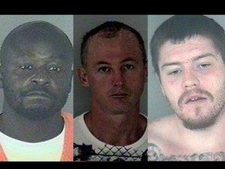 FL county closes schools after 3 inmates escape