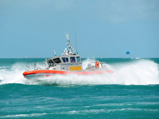 Coast Guard rescues 3 boaters off Stuart