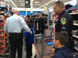 Boynton Beach police hosts 'shop with a cop'