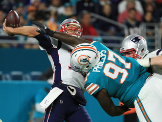 Fins player calls Patriots center 'dirty player'