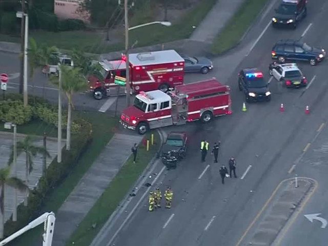 Palm Springs crash slows Lake Worth Road traffic