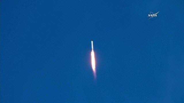 SpaceX launches rocket from Cape Canveral