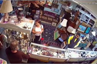 Suspects sought in Stuart jewelry store theft