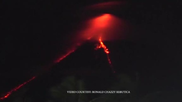 Alert level raised after volcano eruption in the Philippines