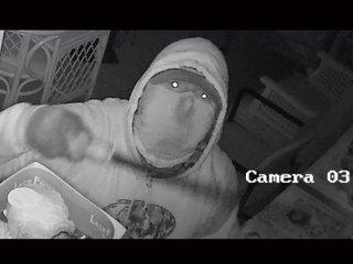 Rooftop burglar breaks into Stuart stores