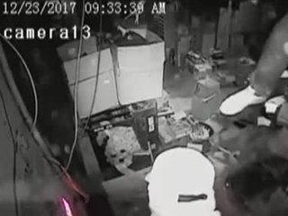 VIDEO: Broward burglars break-in through ceiling
