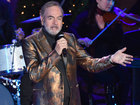 Neil Diamond says he has Parkinson's