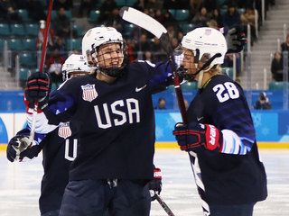 US women hockey team advance to gold medal game