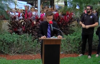 Stoneman Douglas HS students call for change