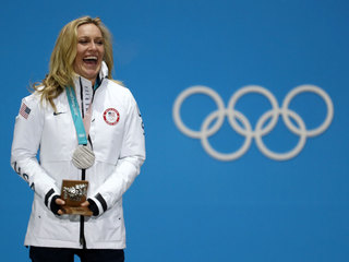 Jamie Anderson wins silver in snowboard big air