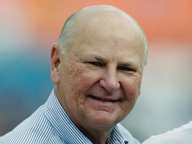 Sports, business mogul Wayne Huizenga dies at 80
