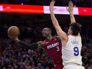 Wade leads Miami Heat to Game 2 win over 76ers