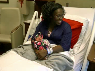 Florida mom gives birth in car for second time