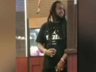 Man with rifle creates panic at So. Fla. Denny's