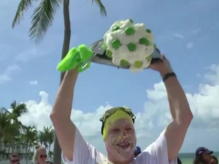 Texas lawyer wins key lime pie-eating contest