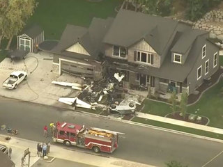 Small plane crashes into Utah house, pilot dead