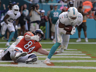 Dolphins rally past Bears 31-28 in OT